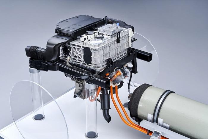 Os SUVs da BMW terão uma motorização hidrogénio/eléctrica 9