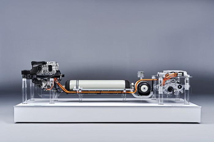 Os SUVs da BMW terão uma motorização hidrogénio/eléctrica 12